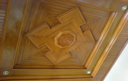 plafon kayu untuk ruang tamu